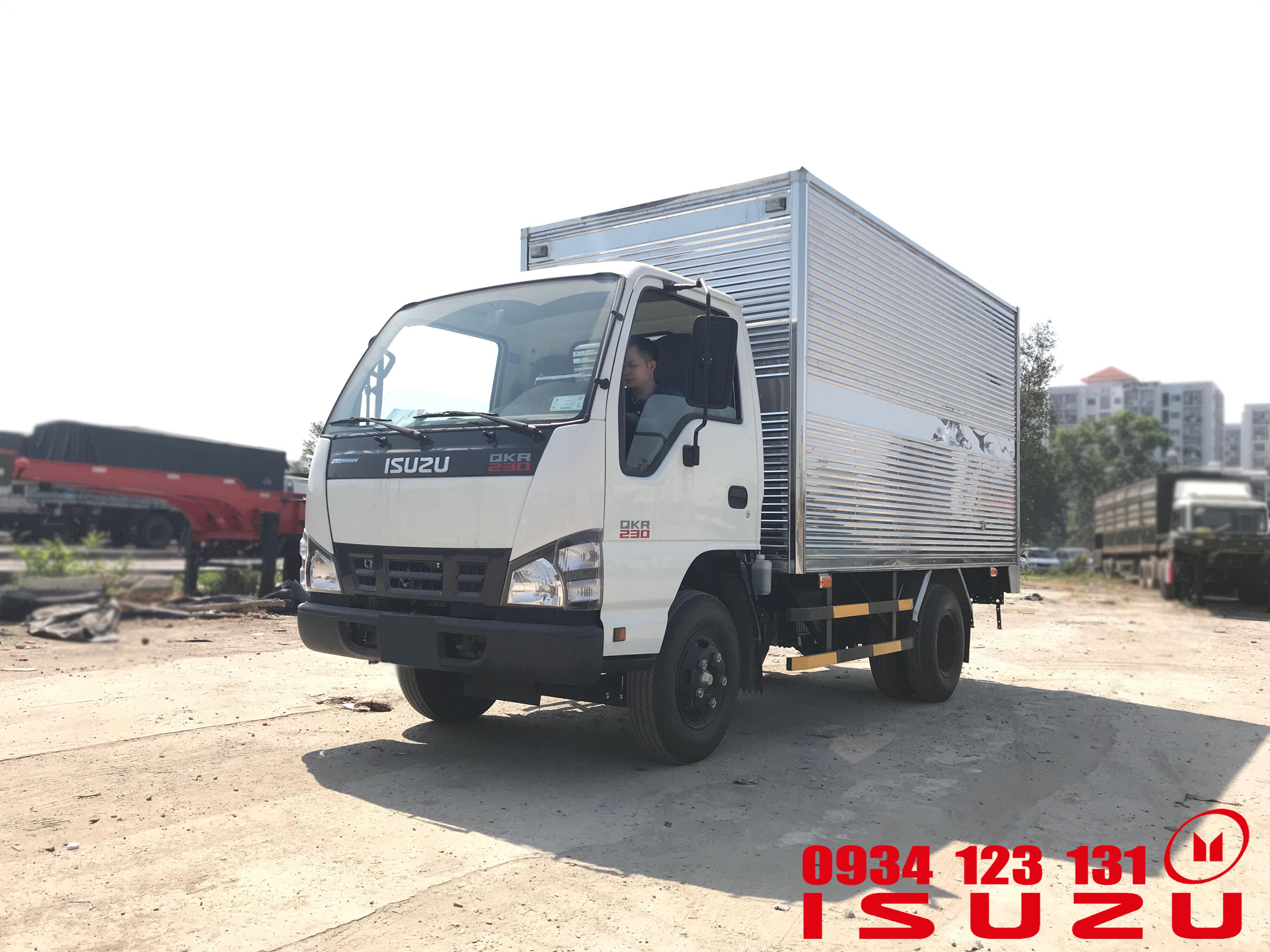 xe tải isuzu 1t4 thùng kín