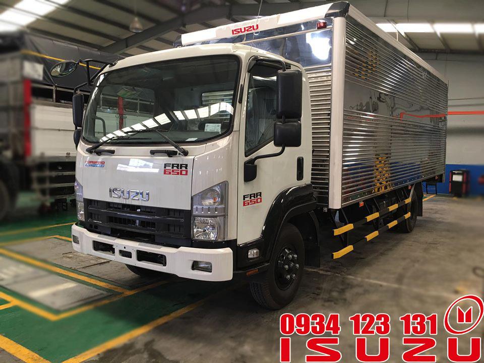 xe tải isuzu 6t5 thùng kín