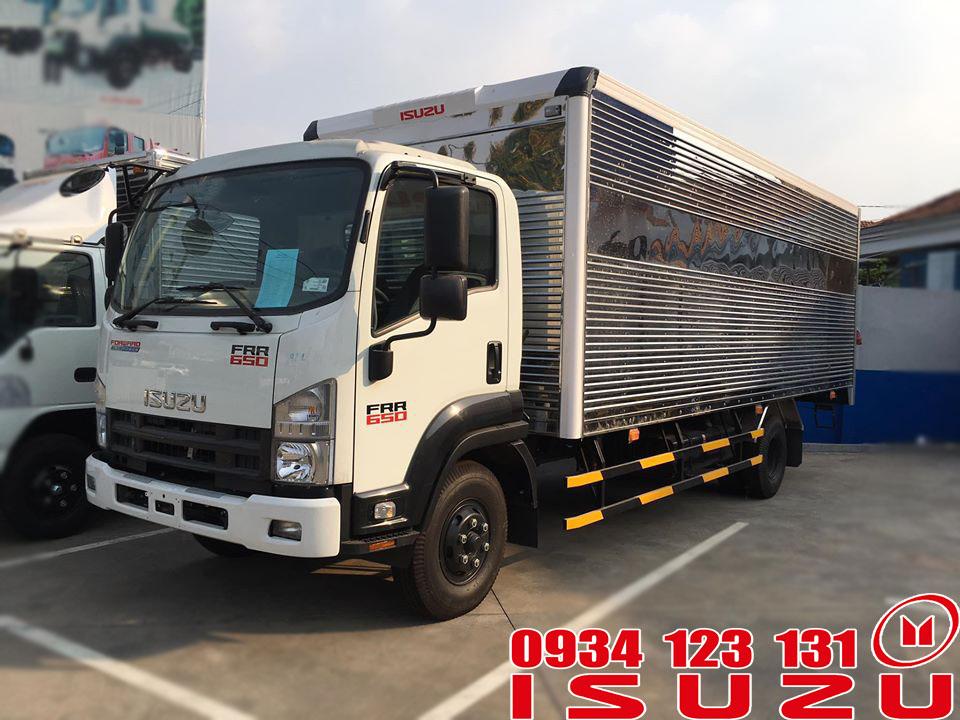 xe tải isuzu 6.5t thùng kín