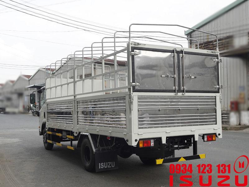 xe tải isuzu 5.5t mui bạt