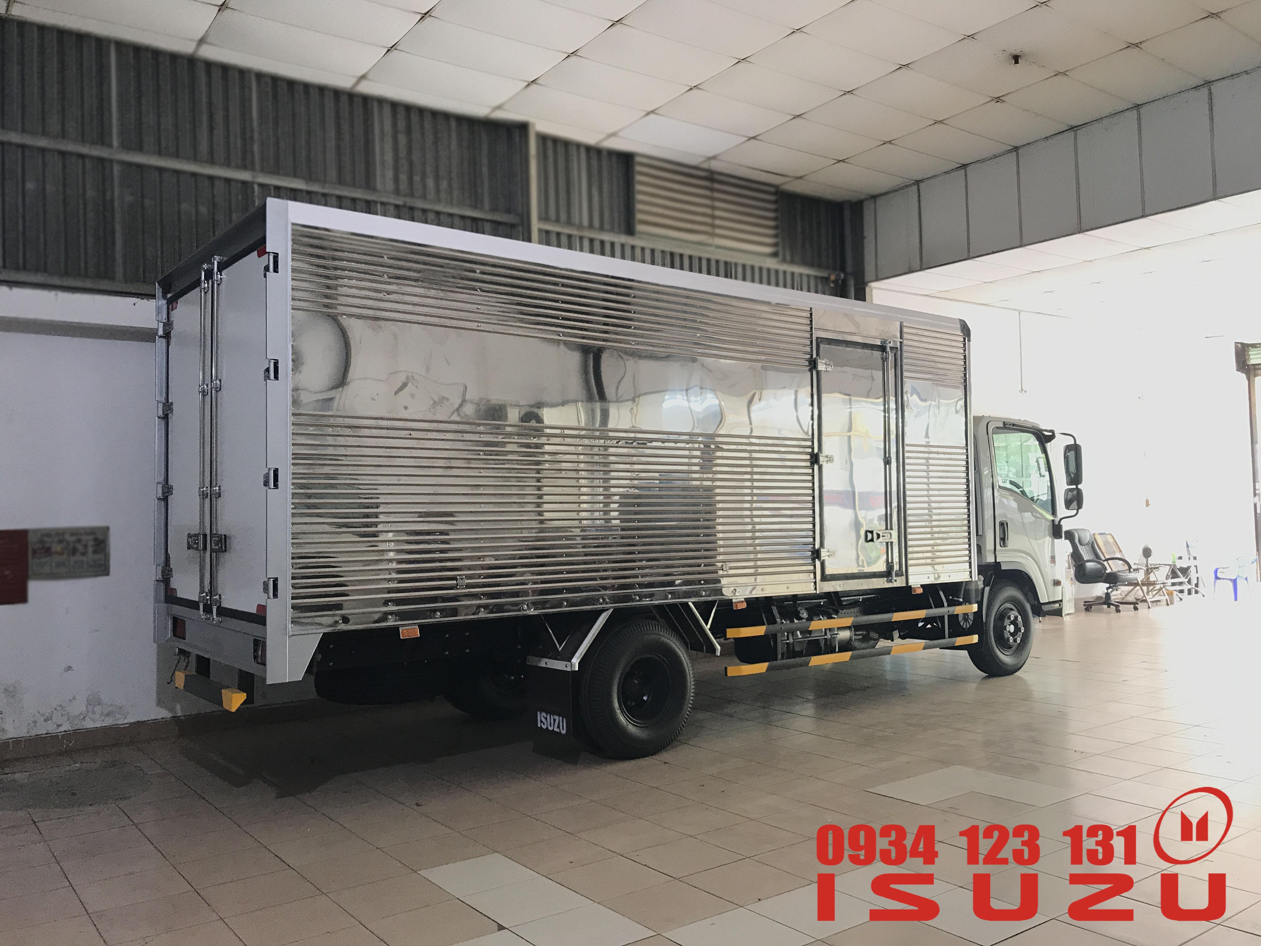 xe tải isuzu 5t thung kin
