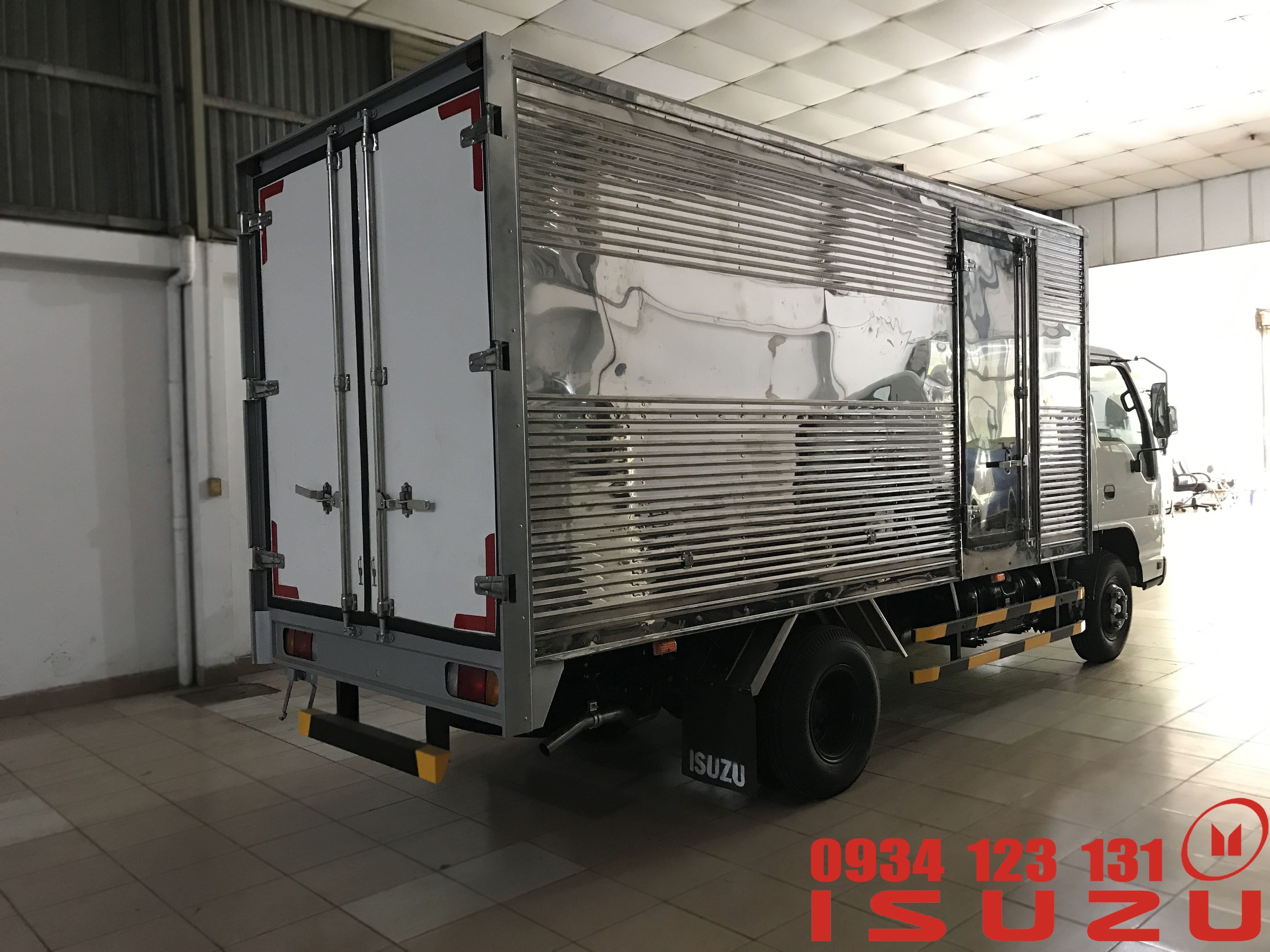 xe tải isuzu 1t9 thùng kín