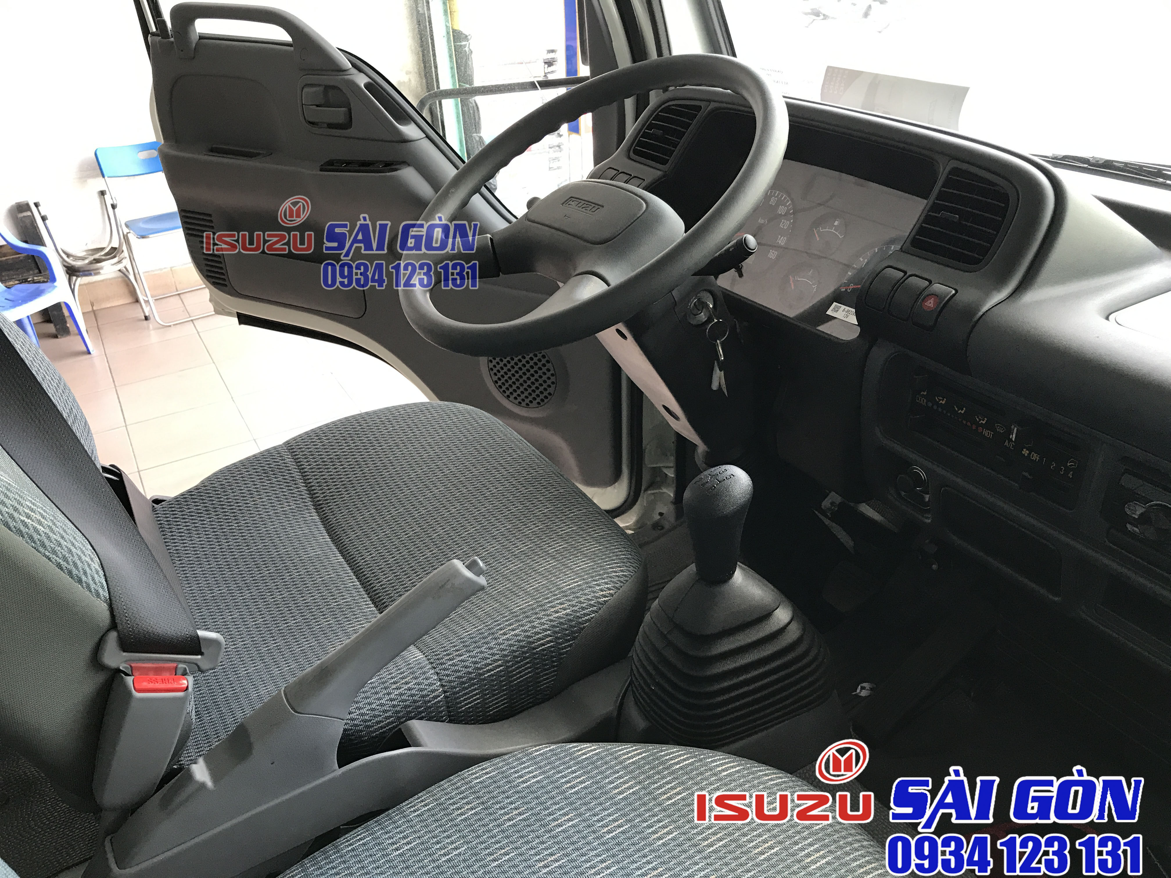 nội thất xe tải isuzu 1t4